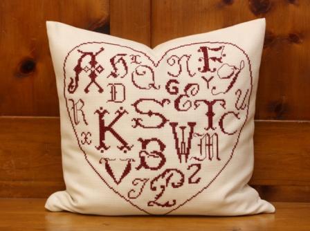 Herz-Monogramm Kissen