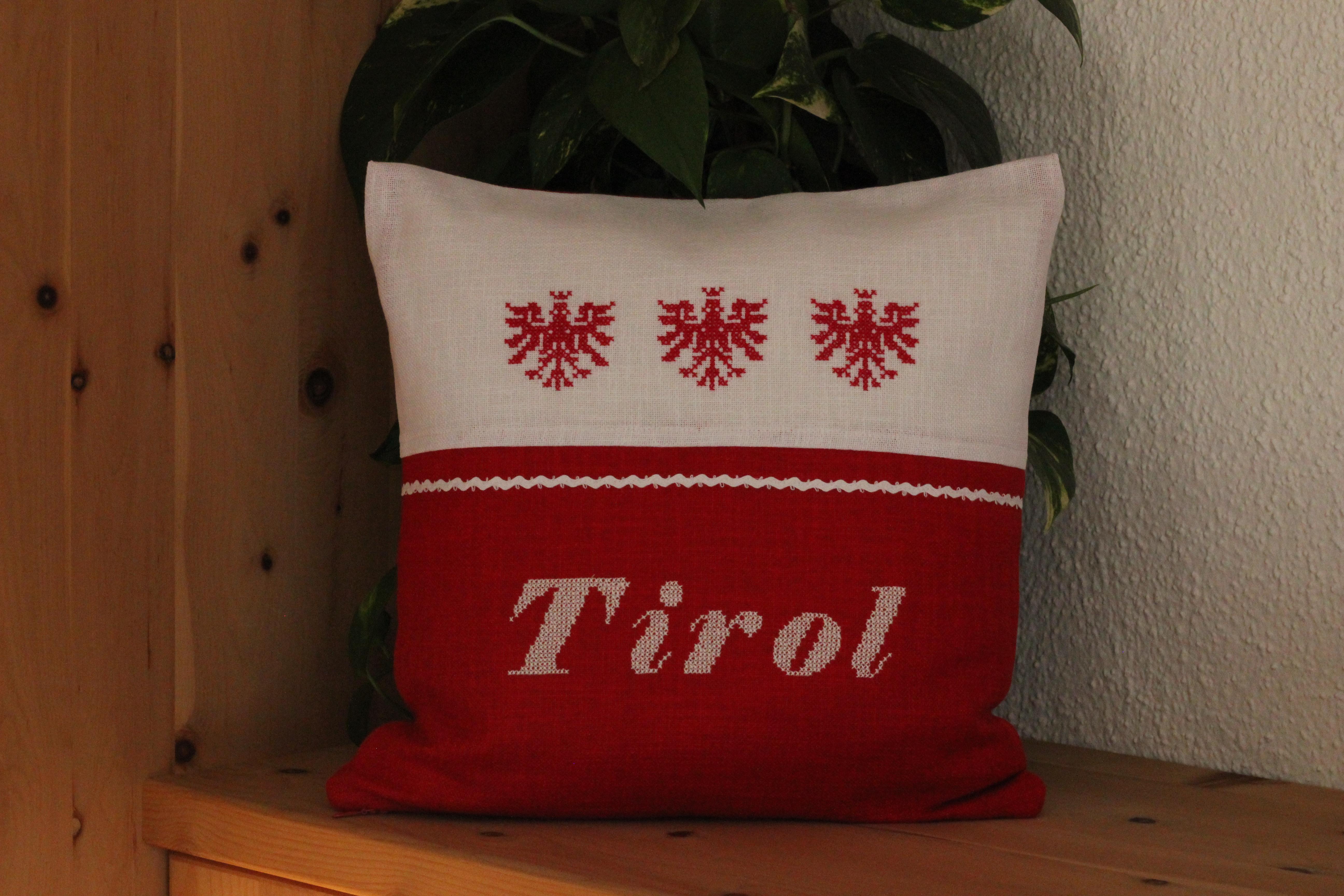 Adler mit Schriftzug Tirol
